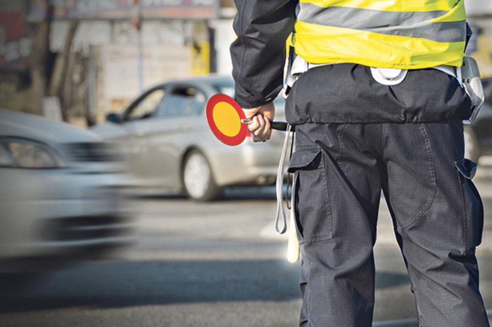 TEŽAK UDES KOD NOVOG SADA: U sudaru opela i kamiona povređen muškarac