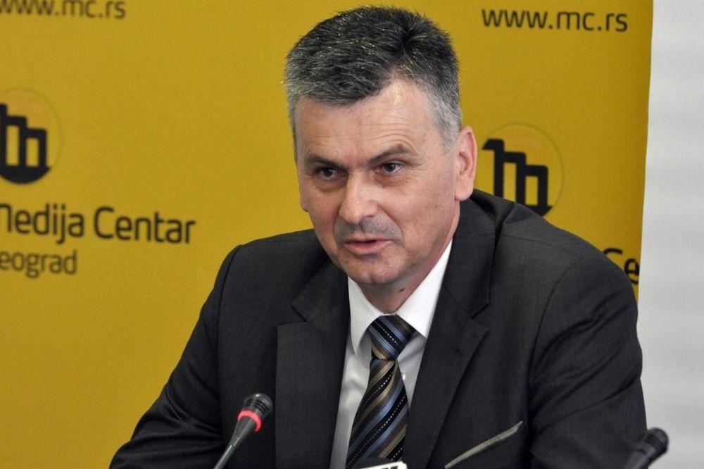 SKANDAL U ČAJETINI: Predsednik opštine ometao službenike iz Beograda u kontroli katastra