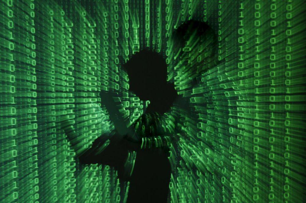 HAKERI RAZOTKRILI PRELJUBNIKE: Objavljeni podaci 37 miliona korisnika stanice za vanbračne afere
