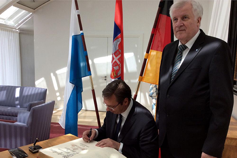 ZEHOFER ZADOVOLJAN SAVETOM SRPSKOG PREMIJERA: Predlog Vučića o migrantima prihvatljiv u praksi
