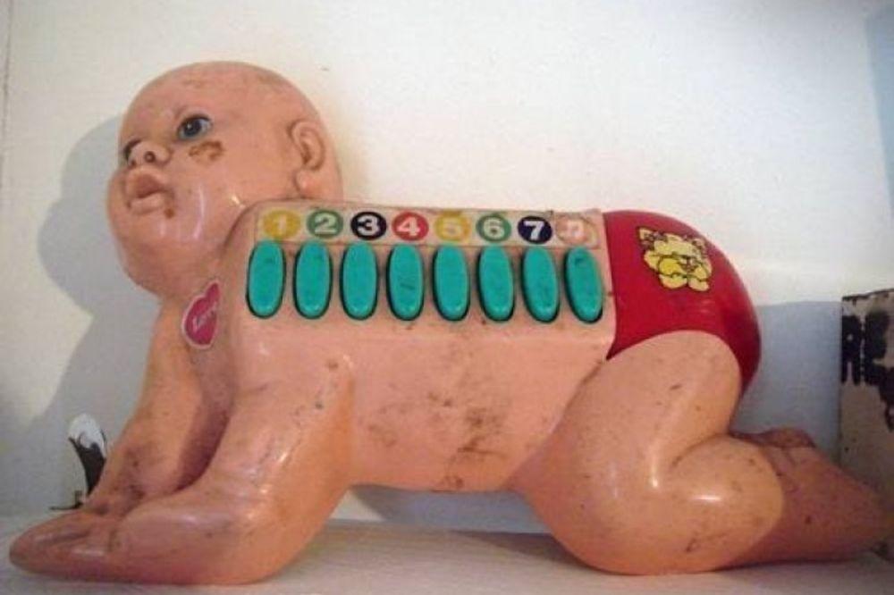 (FOTO) KO BI SE TIME IGRAO: Najodvratnije igračke za decu ikada