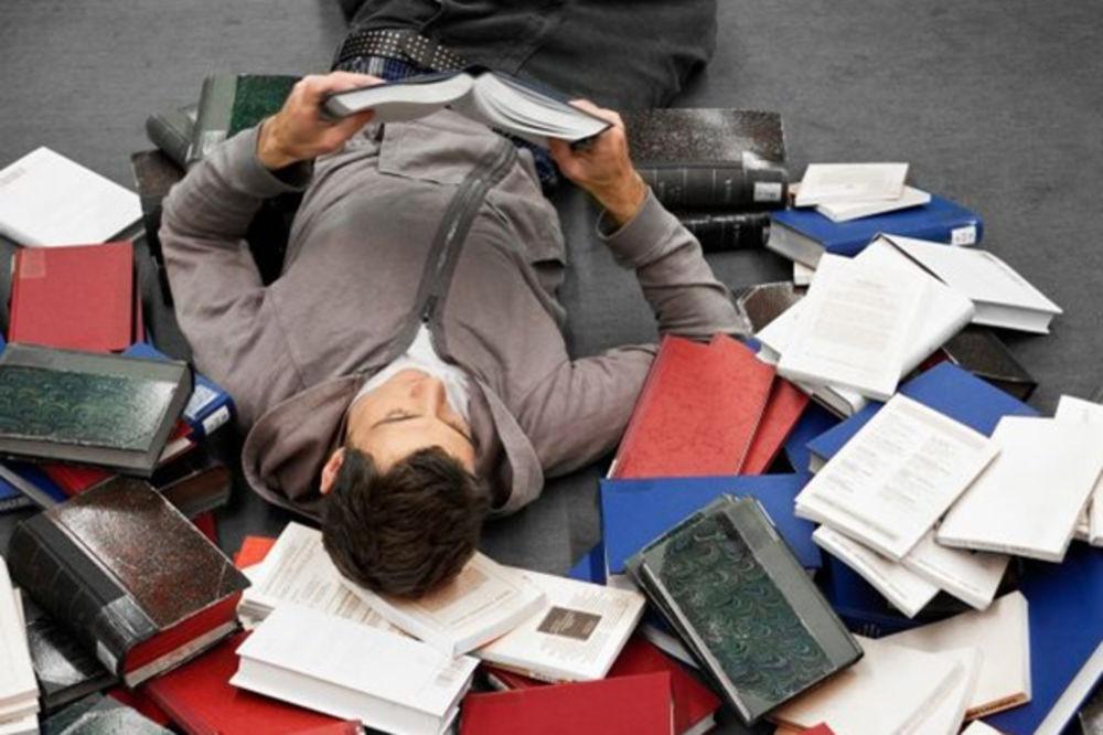 DA LI I VI LAŽETE: Za ove knjige ljudi tvrde da su ih pročitali, a nisu!
