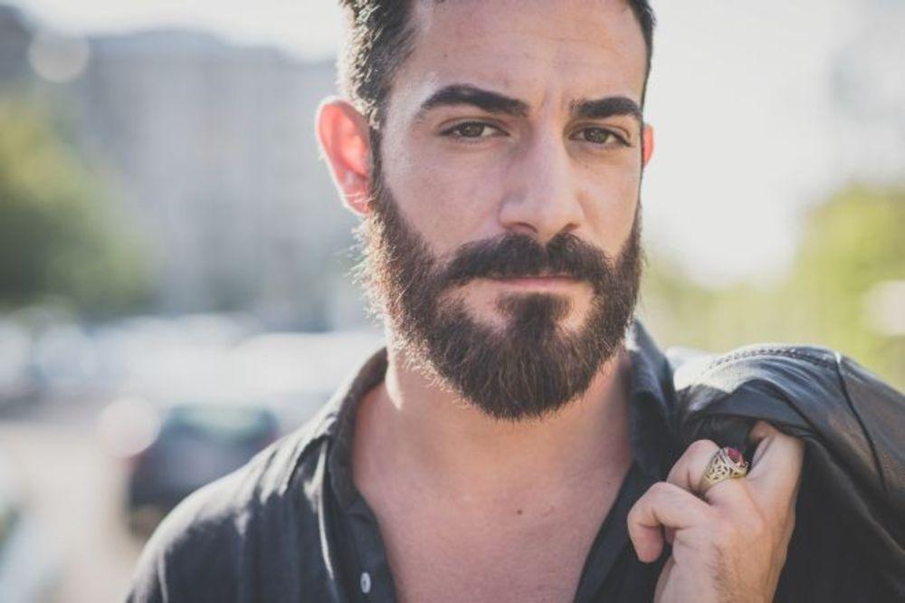 Evo kako da brinete o bradi tokom letnjih meseci