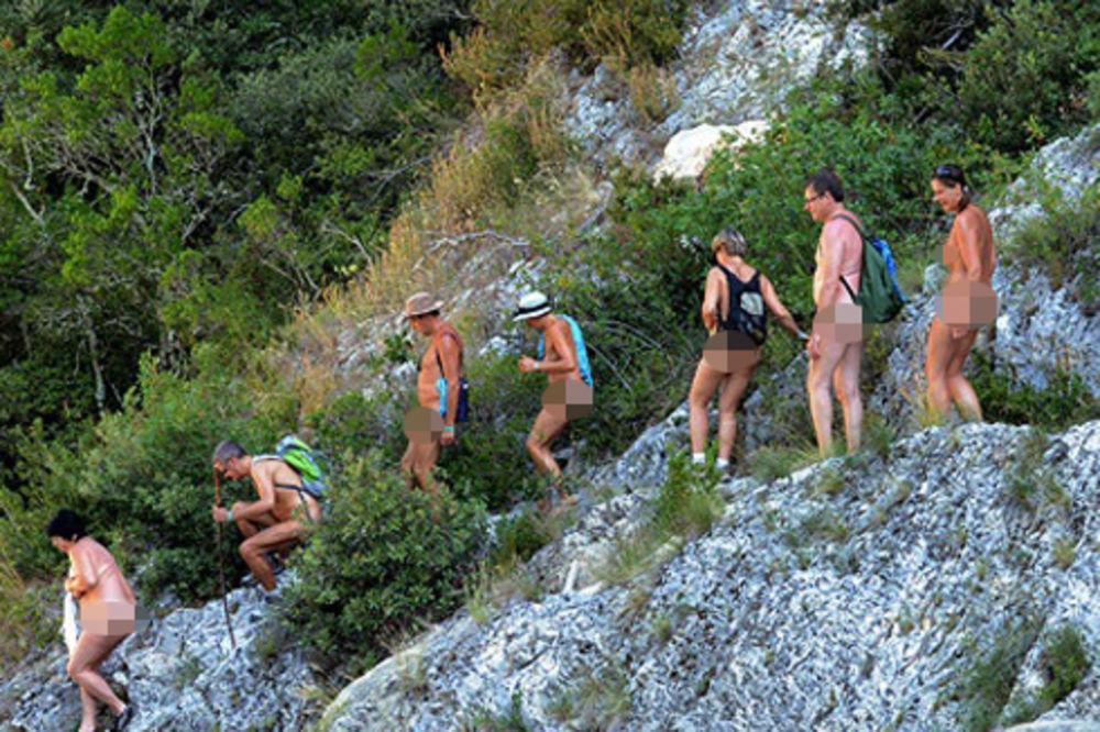 KAD PRITISNE VRUĆINA: Goli se veru po planinama!