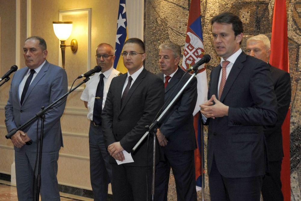 STEFANOVIĆ SA KONJEVIĆEM I MEKTIĆEM: Saradnja policije Srbije i Crne Gore odlična, sa BiH sve bolja