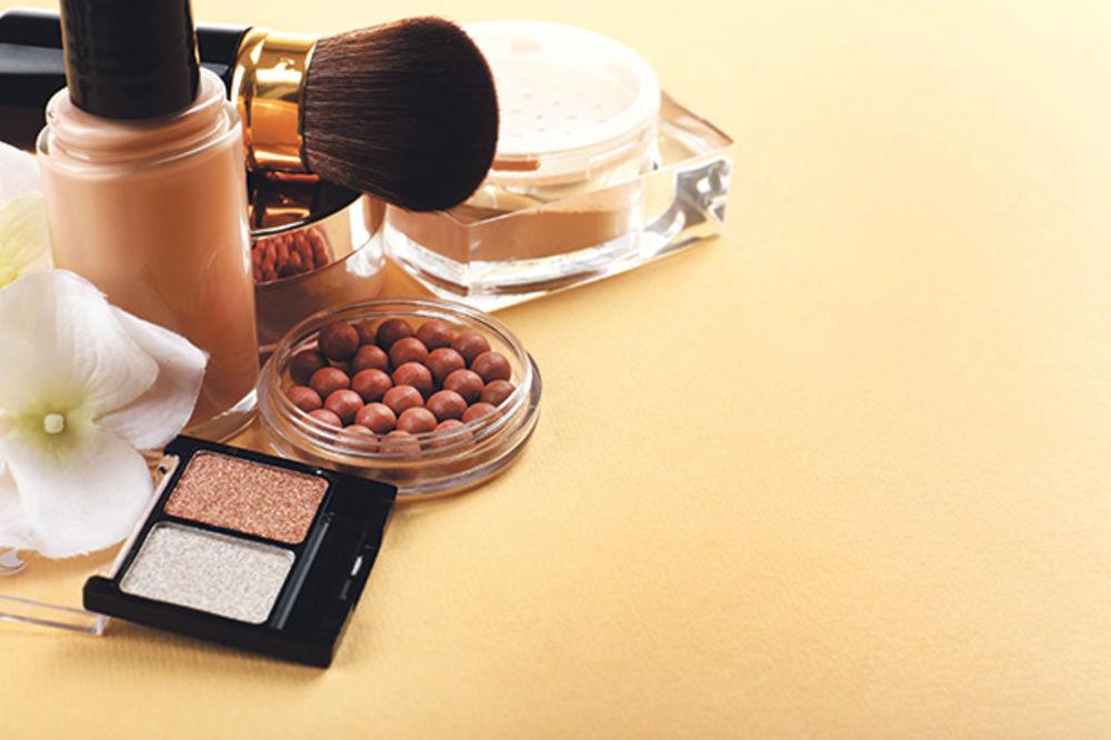 Lažna šminka puna olova, urina i izmeta Sminka-kozmetika-velika-britanija-cijanid-foto-shutterstock-1438133381-710009