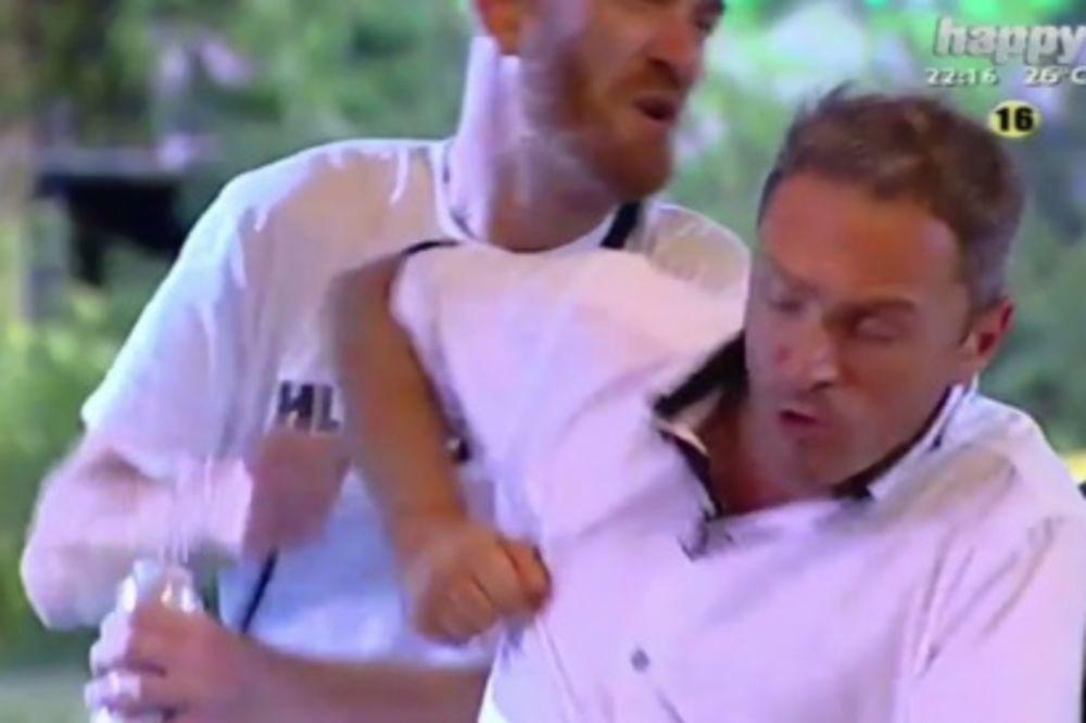 (VIDEO) POGLEDAJTE KAKO JE PALA KRV U MALDIVIMA: Nikolas udario Jovana, razbio mu nos!