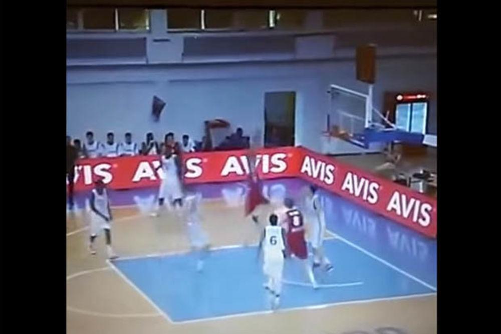 (VIDEO) LETI, LETI, LETI ORLIĆ: Brutalno zakucavanje mladog košarkaša Srbije!