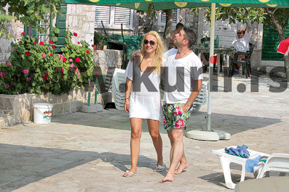 MIKI ISPOD MAJICE KRIJE SALO: Sunčanje i kupanje samo na skrovitim plažama!