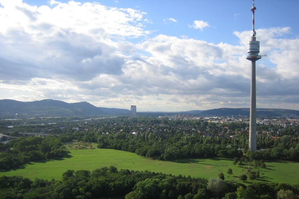 PRODAJE SE POGLED NA BEČ: Traže kupca za najvišu zgradu u Austriji!
