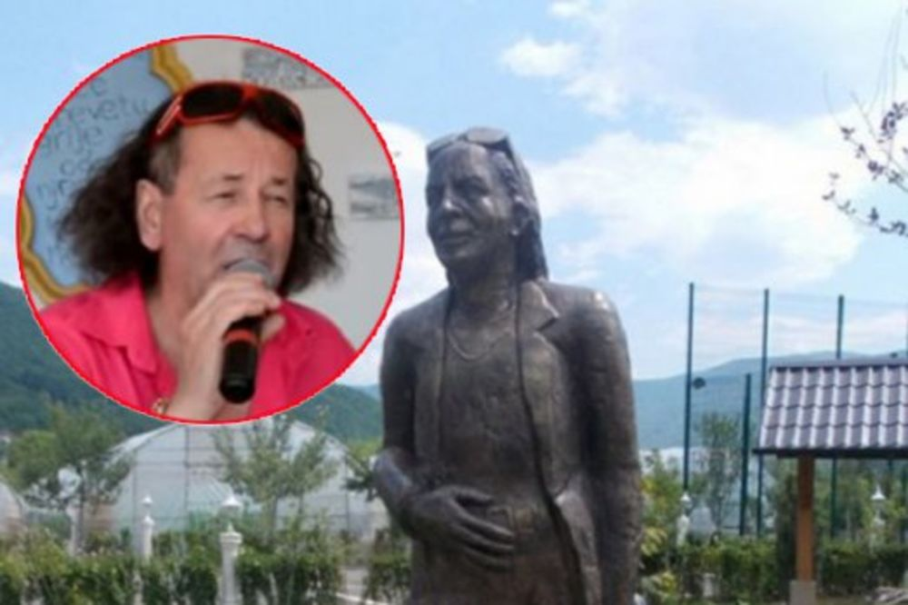 (VIDEO) HVALA MI ZA SVE: Bosanac Sejo samom sebi digao spomenik u prirodnoj veličini!