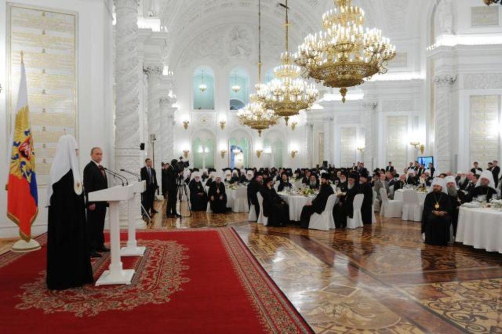 PUTIN: Ruski narod stremi ka visokim idealima dobra, pravde, pravednosti i sveljudskosti