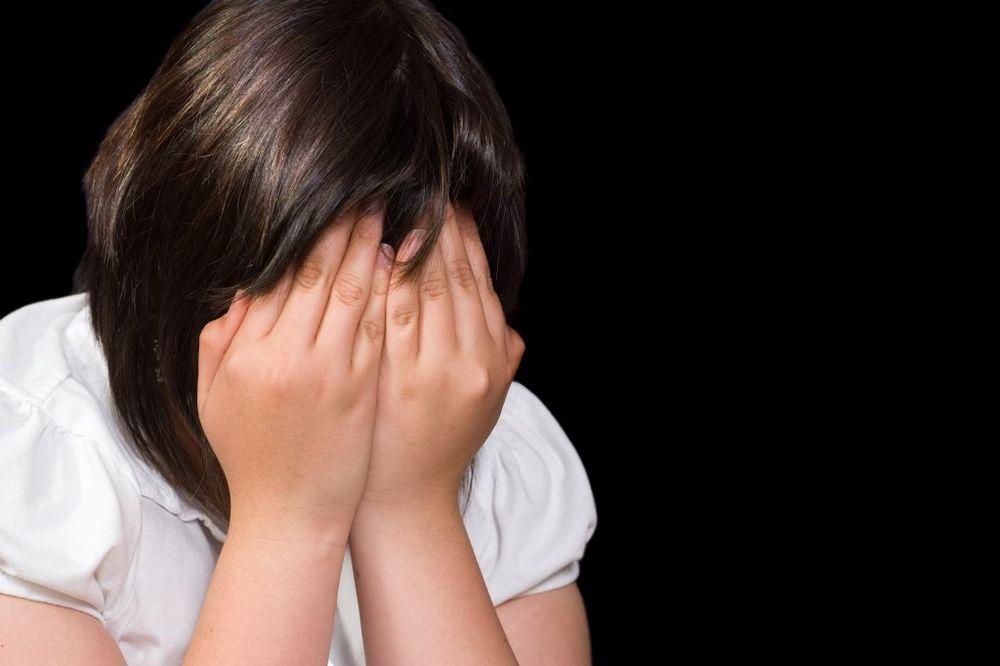 HOROR NA PROSLAVI PUNOLETSTVA U UBU Dvojica silovali devojčicu (17) pa nagovarali i druga!