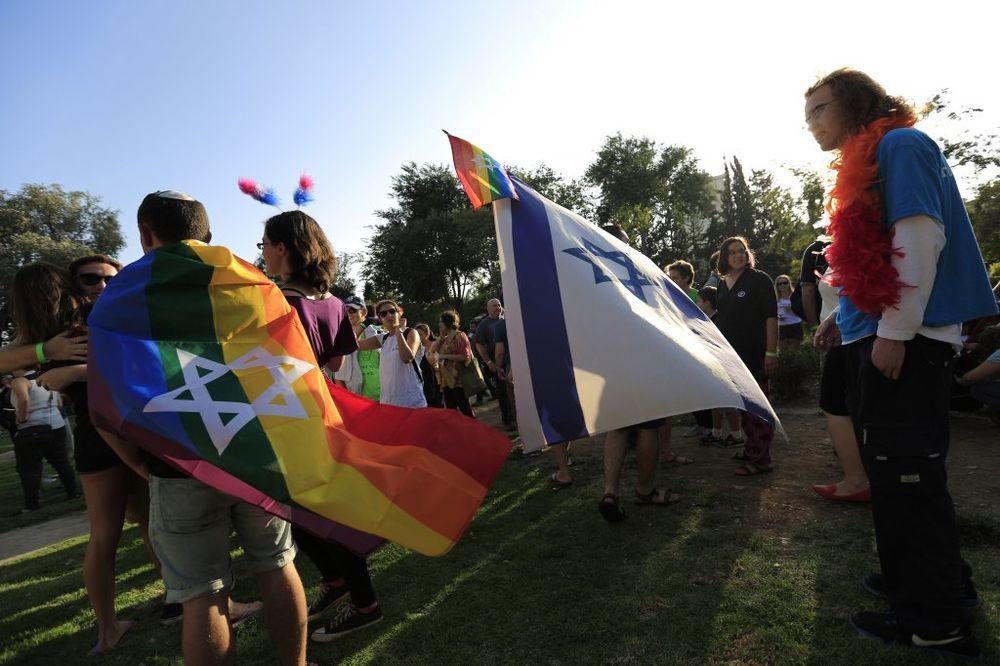 KRV NA PARADI PONOSA: Ortodoksni Jevrej izbo šestoro učesnika gej parade u Jerusalimu