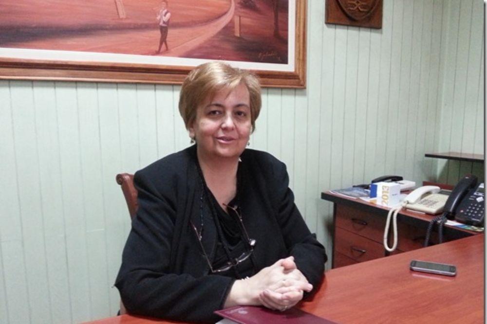 LUČANI: Umalo fizički obračun, većnici otkazali poslušnost predsednici opštine