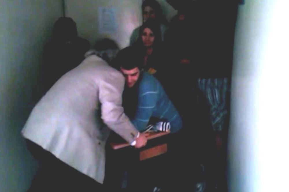 ŠOKANTAN VIDEO SA MATEMATIČKOG FAKULTETA: Profesor fizički napada studente?!