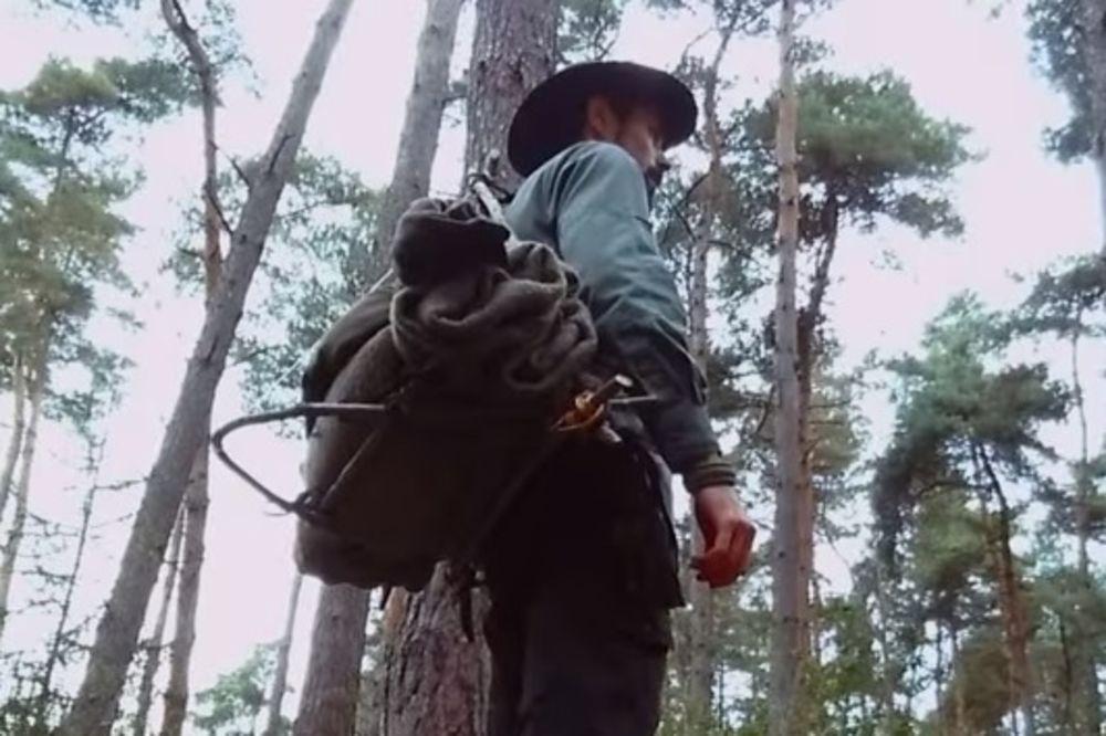 (VIDEO) ŽIVI KAO PEĆINSKI ČOVEK U SLOVENIJI: Još mi nisu dozvolili da lovim jelene i svinje!