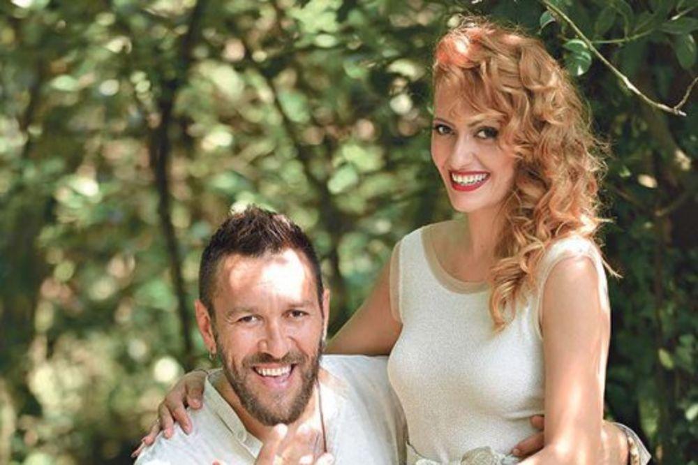 NIGOR SE TAJNO OŽENIO: Preko GPS smo tražili mesto venčanja!