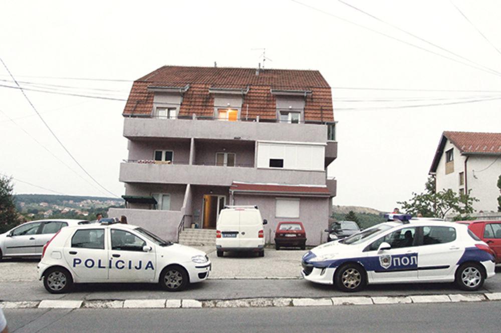 SESTRI PRESUDIO SEKIROM, PA SE ISKASAPIO: Niko ne zna koji je motiv porodične tragedije u Rakovici!