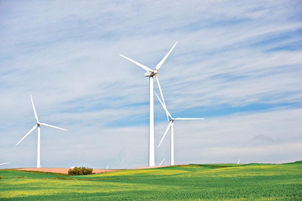 TRKA ZA POVLAŠĆENU CENU STRUJE: Ko se prvi zapljune dobija pare za vetrenjače