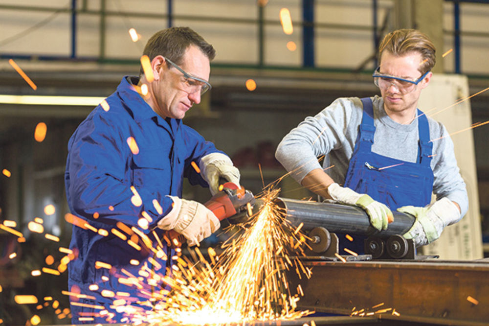 ANALIZA Industrija prva izašla iz krize: Pozitivne privredne promene u 2015.