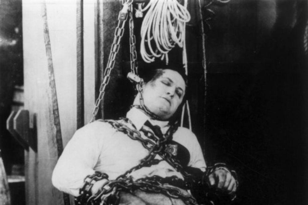 TUŽNA ISTORIJA: 10 poznatih i uticajnih ljudi koji su umrli na sramotan način