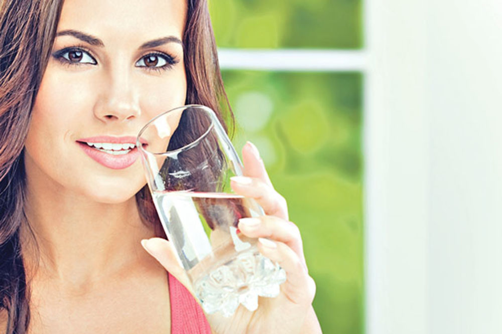 DR MACURA: U ovom periodu nigde ne krećite bez vode!