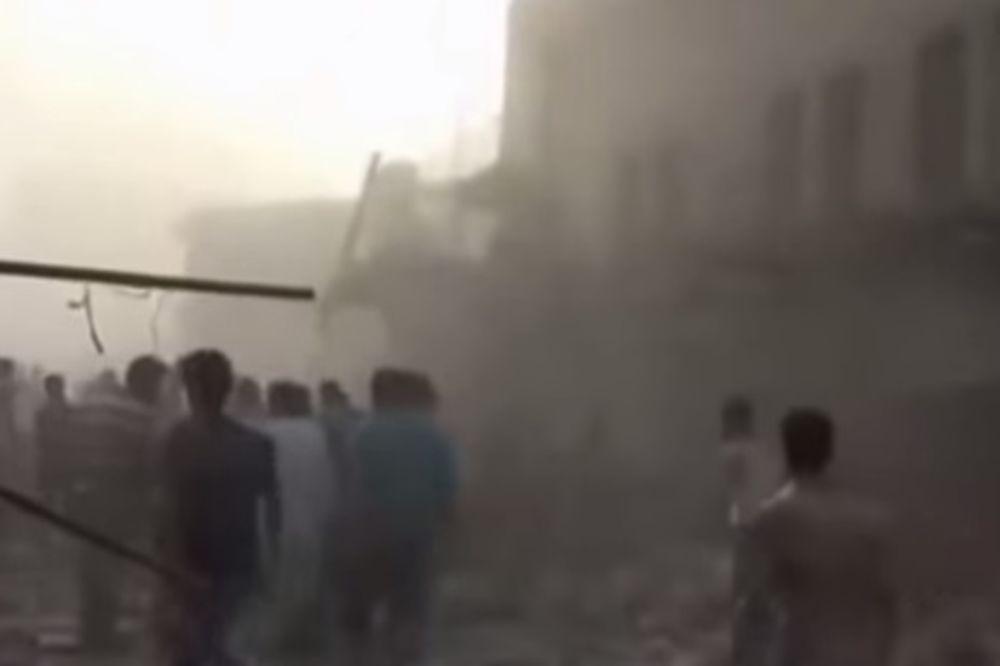 SRUŠIO SE SIRIJSKI VOJNI AVION: Pao na prepunu pijacu, poginulo najmanje 27 ljudi