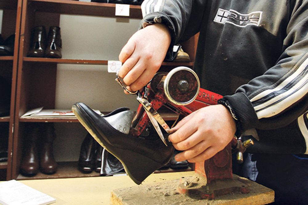 REZULTAT KONTROLE: Na crno rade obućari, štamparije i kladionice