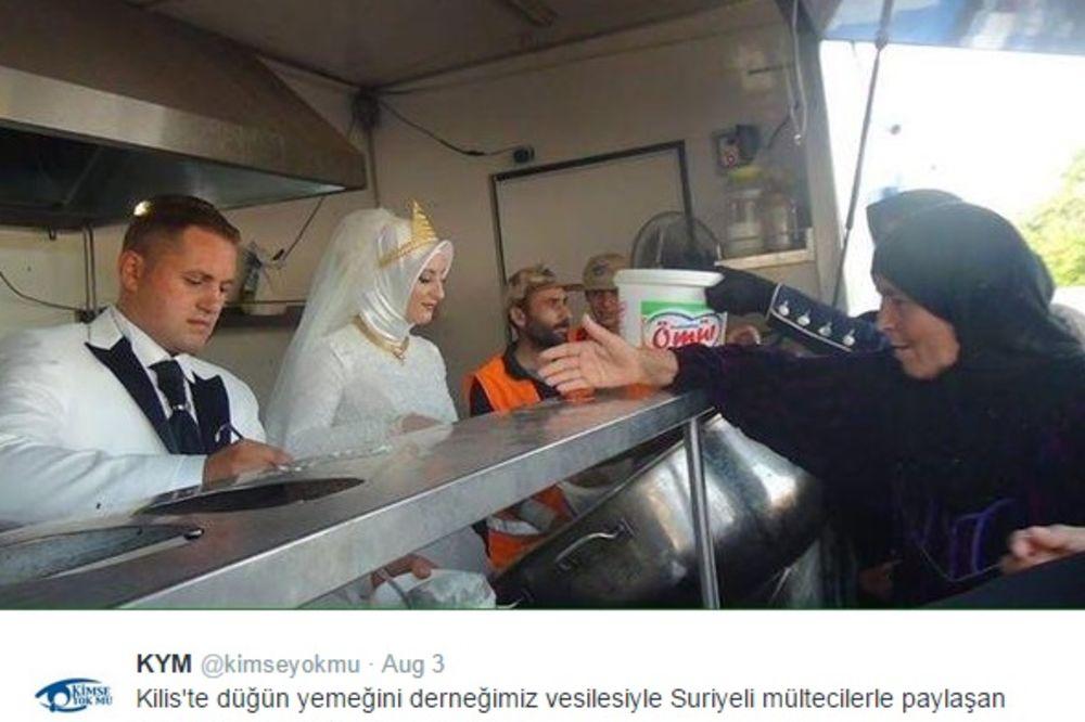(FOTO) HUMANI TURSKI PAR: Nahranili 4.000 sirijskih izbeglica na svojoj svadbi