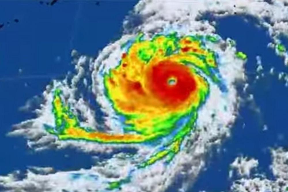 (VIDEO) OD NJEGA STRAHUJU: Najveća oluja ove godine udarila Tajvan i preti Kini
