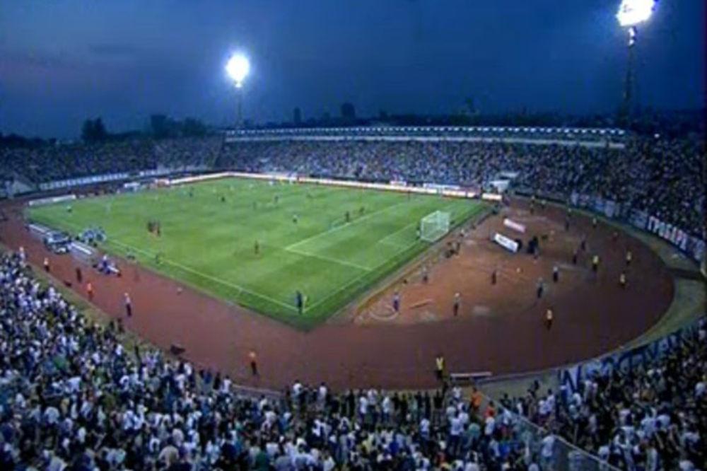 (FOTO) OVO JE HIT DANA NA INTERNETU: Pogledajte kako navijač Partizana dočekuje Ligu šampiona