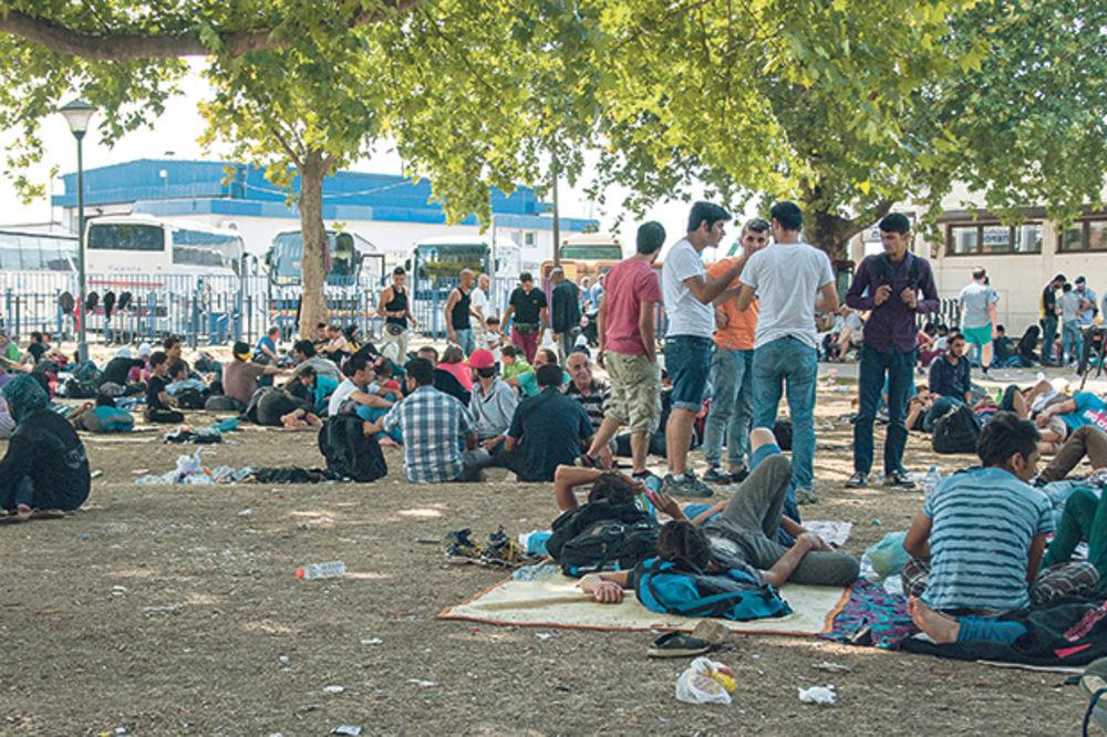 AKCIJA IZ KOMŠILUKA: Izbeglicama u Beogradu stiglo pet tona hrane iz Sarajeva