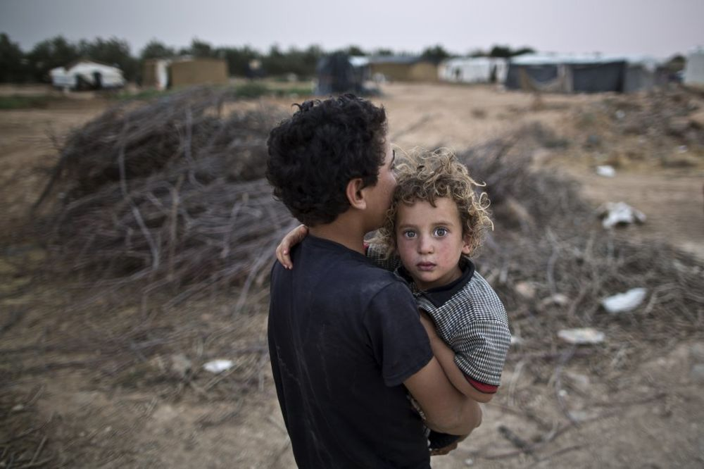 ZAŠTO SIRIJCI DOLAZE U EVROPU: Nemaju pravo da rade u susednim zemljama, a pomoć sve manja