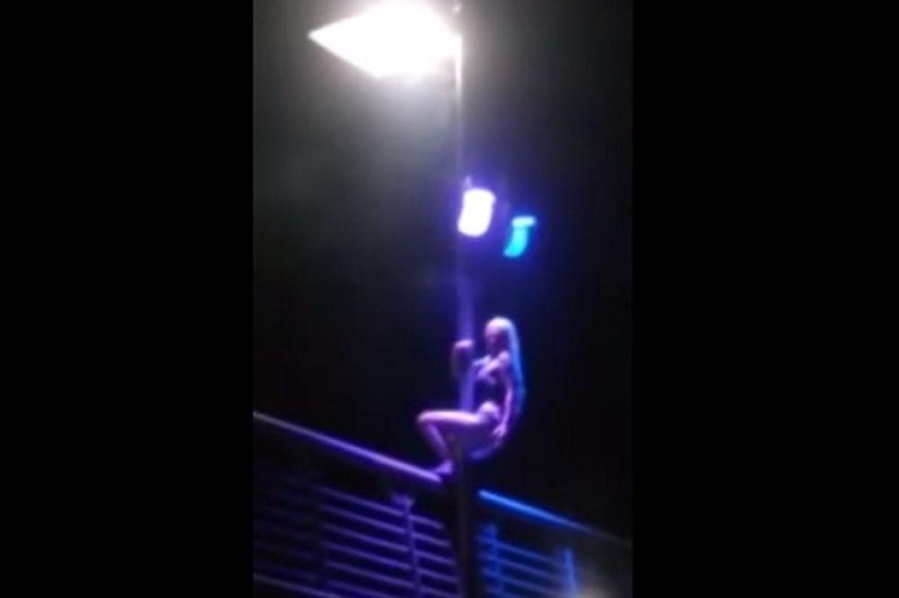 (VIDEO 18+) BOSANKA ŽARI I PALI NA JUTJUBU: Polugola izvela erotski ples na stubu Sanskog mosta?!