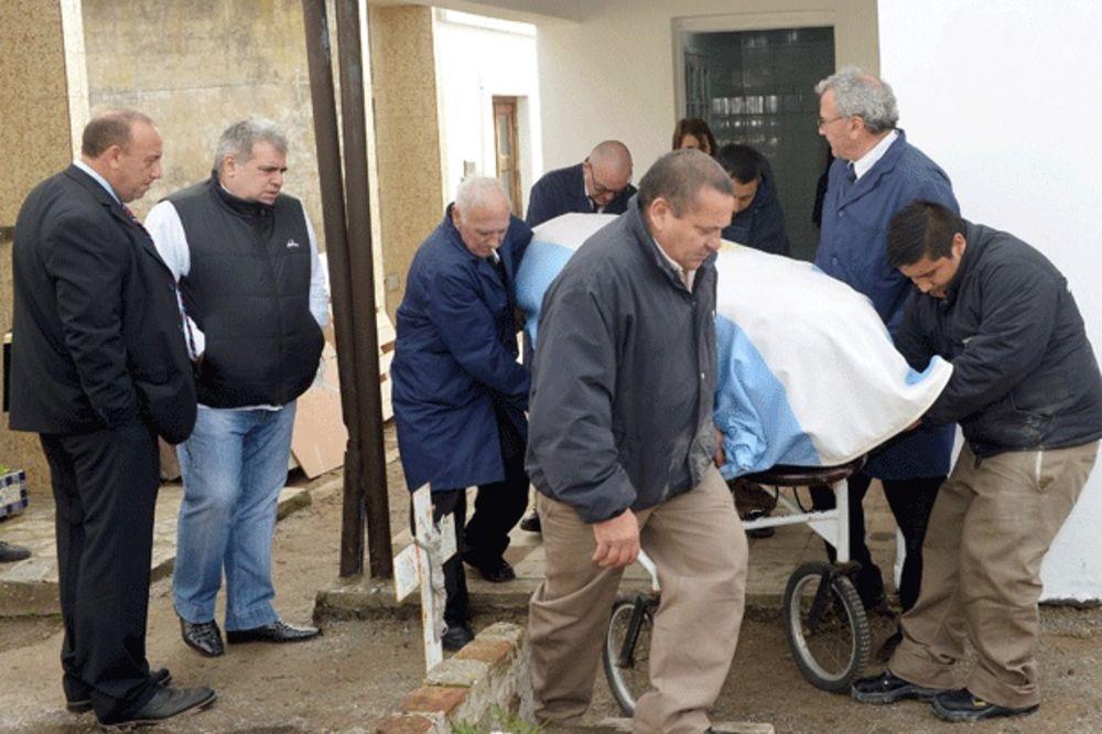 NE DAJU MU DA POČIVA U MIRU: Izvadili telo legendarnog Fanđa iz groba zbog testa očinstva