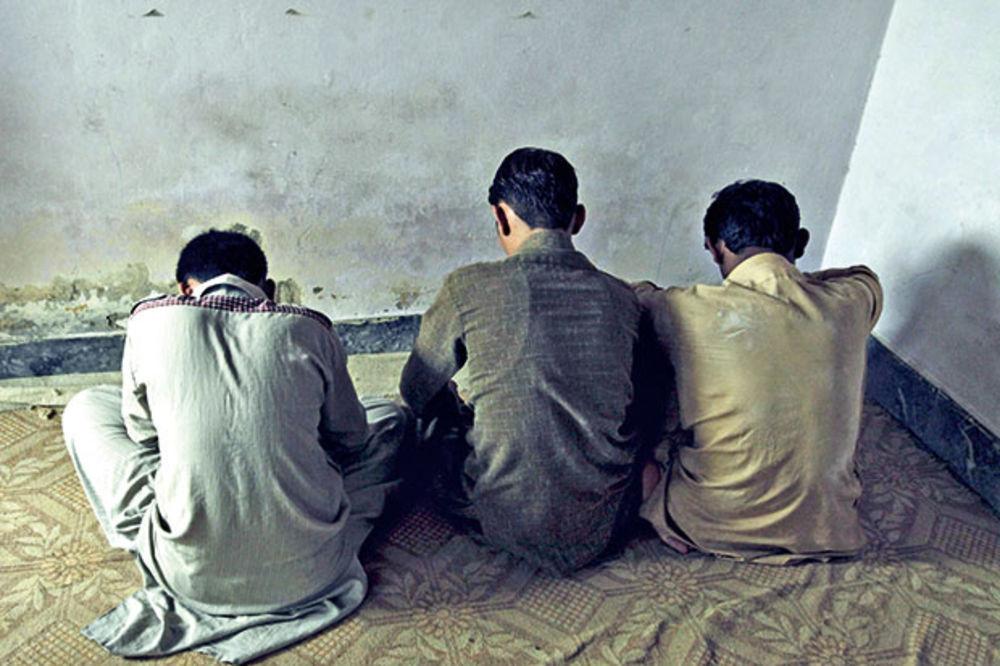 STRAVA U PAKISTANU: Silovali mališane i ucenjivali roditelje