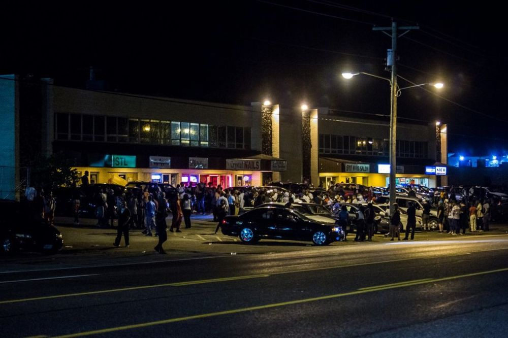 TENZIJE SE SMIRUJU: Ukinuto vanredno stanje u Fergusonu