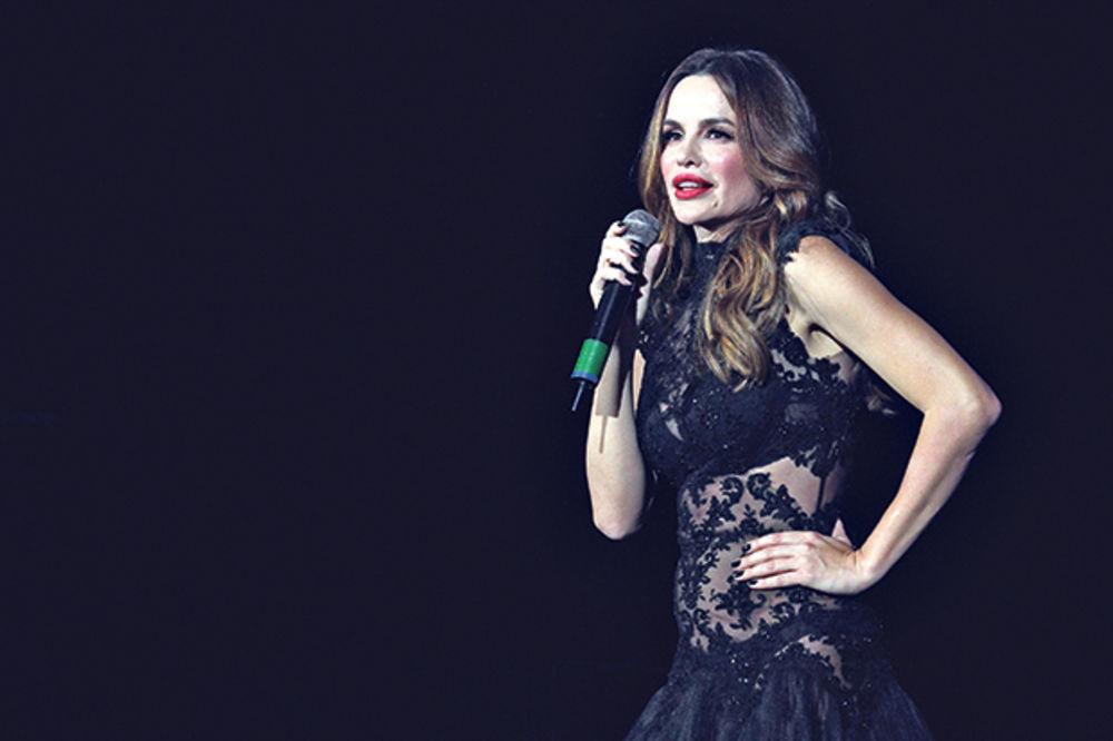 (FOTO) SEVERINA KAO DOMINO DAMA: Pevačica u nikad provokativnijem izdanju