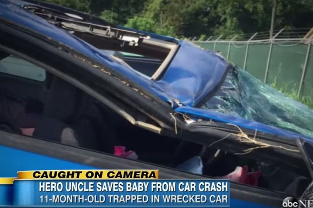 (VIDEO) SVE JE SNIMIO TELEFONOM: Ujak spasao bebu iz smrskanih kola!