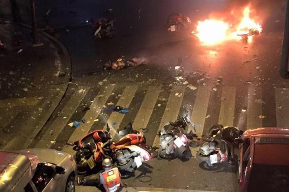 (VIDEO) TERORISTIČKI NAPAD U BANGKOKU: 27 mrtvih, 80 povređenih, delovi tela rasuti po ulici!