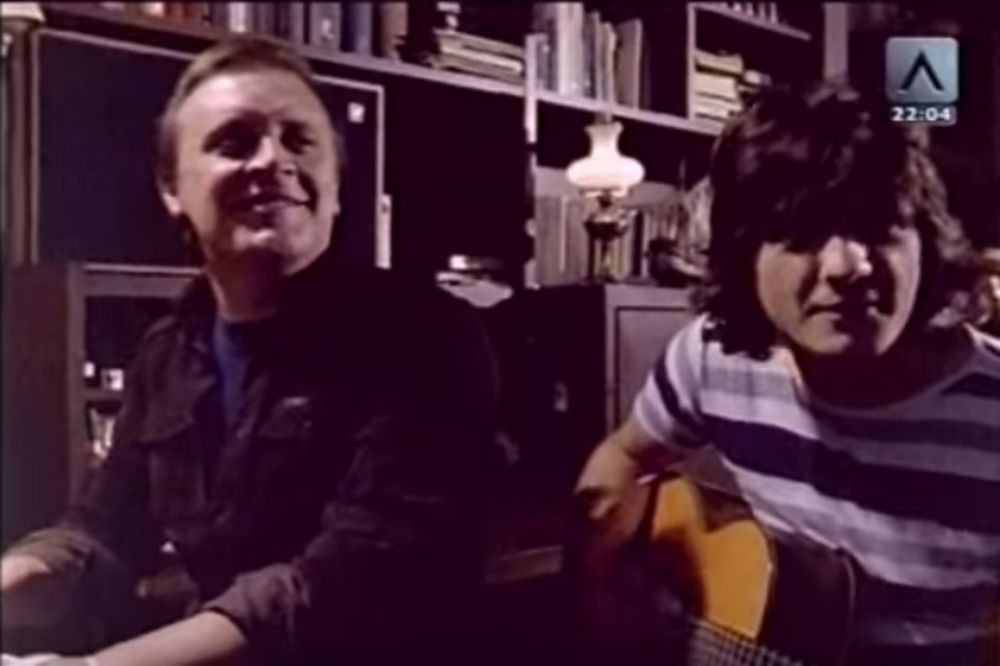 KAD SE PEVA IZ DUŠE: Pogledajte kako Arsen i Čola izvode pesmu Zagrli me