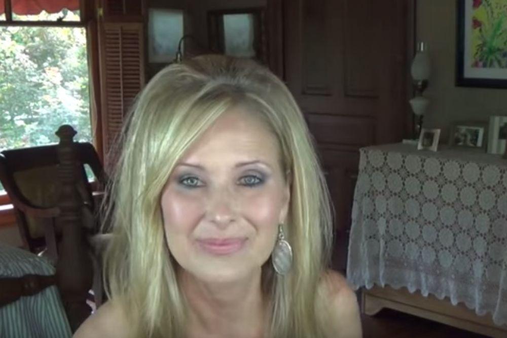 (VIDEO) DA LI MOŽETE DA VERUJETE? Ona ima 60 godina, a njene savete za lepotu prate milioni žena