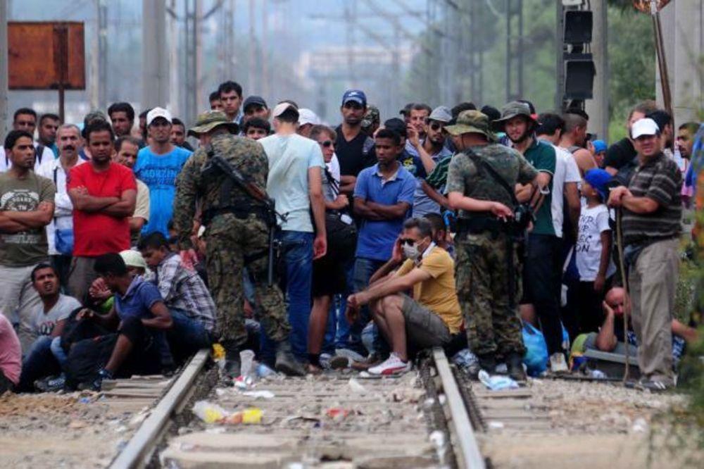 TALAS OD 100.000 IZBEGLICA STIŽE SA SEVERA: Srbija će morati da primi sve migrante?!