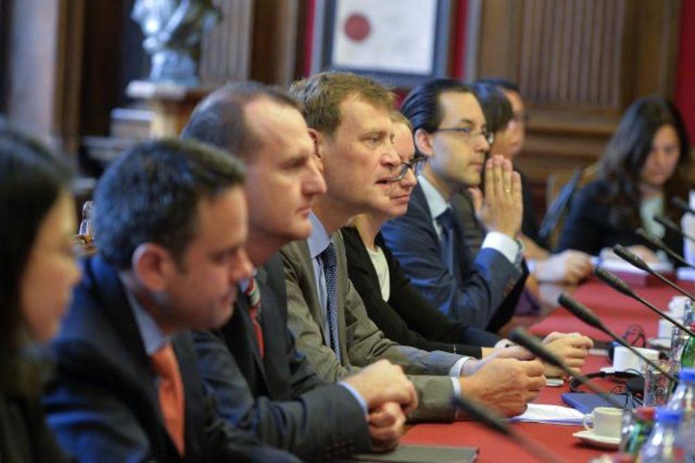 IZUZETAN NAPREDAK: Vučić se sastao sa predstavnicima MMF