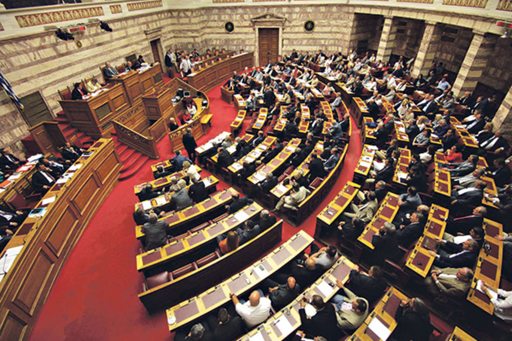 DESNIČARI GRABE GLASOVE: Sirizu bi podržalo svega 23 odsto Grka