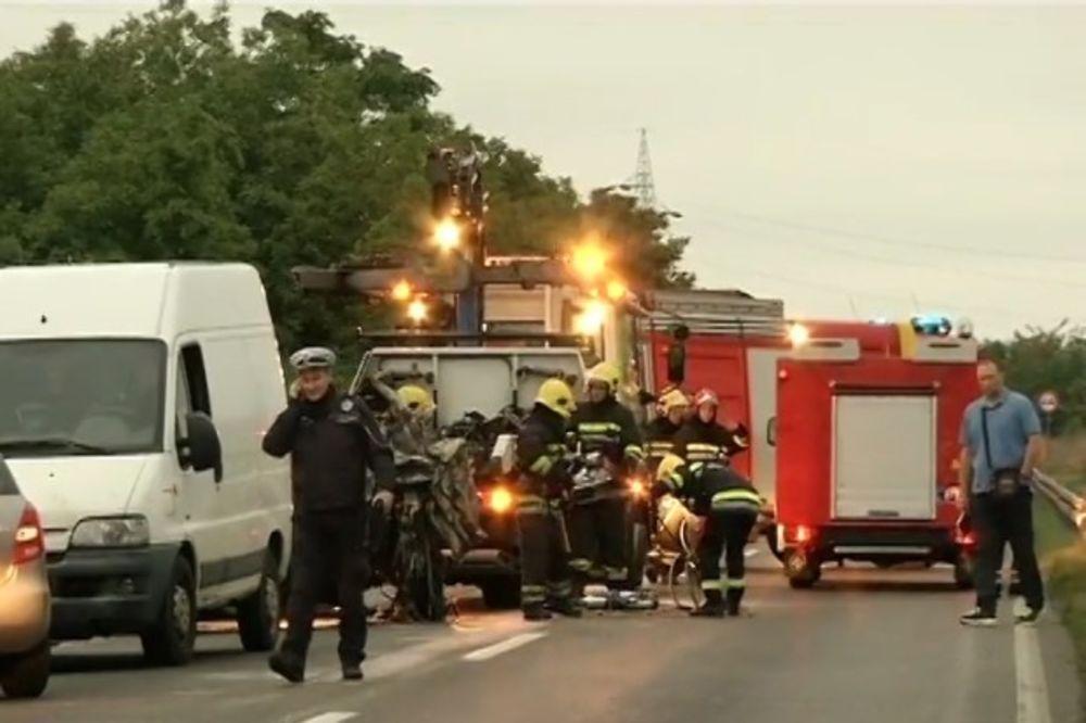 TRAGIČNO PREVRTANJE NA ČUKARICI: Lekari pronašli 2 ugljenisana tela u BMW