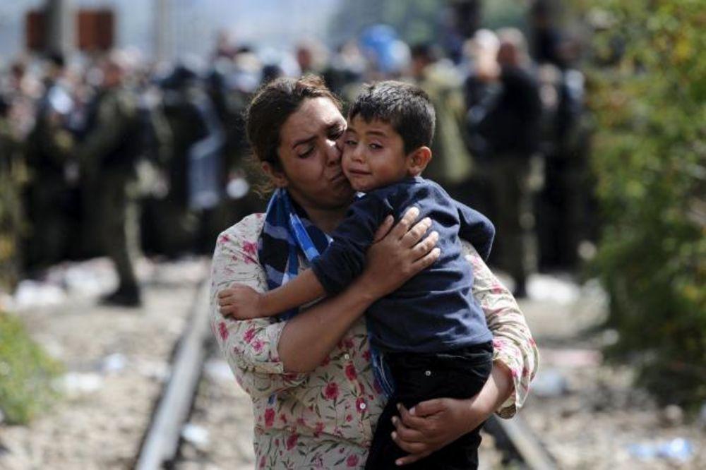 NAPETO NA ĐEVĐELIJI: Makedonski taksisti odblokirali prugu, intervenisala policija