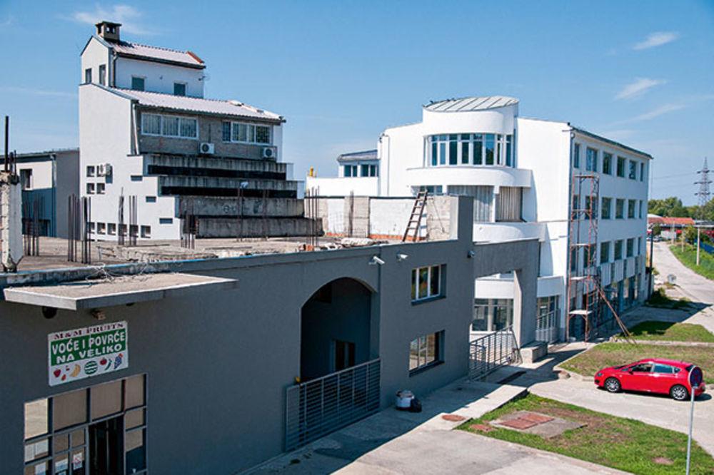 ZOLJOM NA ŠTAMPARIJU: Zgrada Nebojše Joksovića gađana treći put!