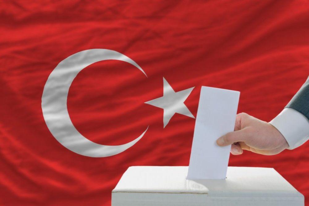 SLOVENCI ŠTAMPAJU GLASAČKE LISTIĆE ZA TURSKE IZBORE: Rade čak u 4 smene, ne mogu sve da postignu